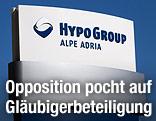 Tafel vor der Hypo-Zentrale in Klagenfurt