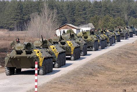 Panzer an Grenzübergang