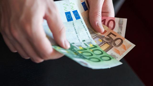 Mit nur einem Fonds sind Sie breit und preisgünstig investiert (23 Industrie-, 23 Schwellenländer, über Firmen).