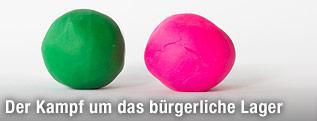 Grüne und pinke Plastilinkugel
