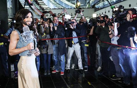 Empfang für Conchita Wurst in Wien Schwechat