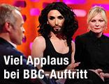 Conchita Wurst mit Kirsten Dunst bei der Graham Norton Show