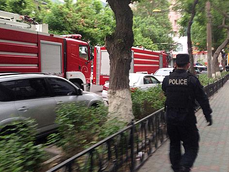 Polizei und Feuerwehrautos