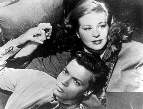 """Hildegard Knef und Karlheinz Böhm in einer Szene des Films """"Alraune"""" aus dem Jahr 1952"""