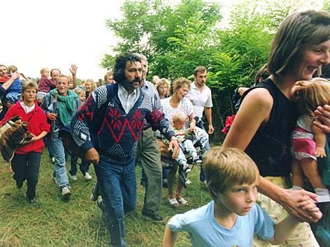 Немного об истории - Страница 2 1989_ungarn_ddr_fluechtlinge_body_ap.4564821