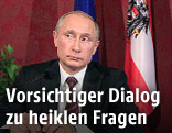 Russlands Präsident Putin und Österreichs Präsident Fischer während einer Pressekonferenz
