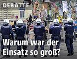 Polizisten vor dem besetzten Haus