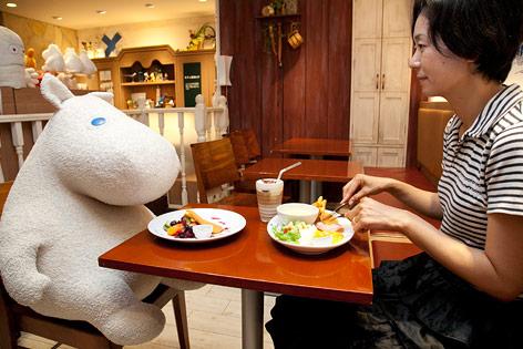 Mumin im Restaurant