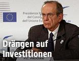 Italienischer EU-Ratsvorsitzender und Finanzminister Pier Carlo Padoan bei einem ECOFIN-Meeting in Mailand