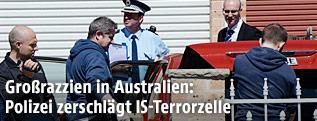 Australische Polizei bei einem Razziaeinsatz