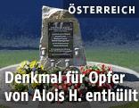 Ein Gedenkstein für die Opfer der Bluttat von Annaberg