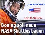 US-Astronaut Randy Bresnik vor einer Boeing-CST-100-Raumkapsel