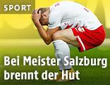 Marcel Sabitzer (Salzburg) hockt enttäuscht am Boden