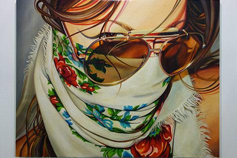 Kunstwerk von Masha Shubina zeigt eine Frau mit Fliegerbrille und Tuch über dem Mund
