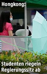 Regenschirme bei Blockade von Regierungsgebäude in Hongkong