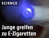 Blaues Licht einer E-Zigarette