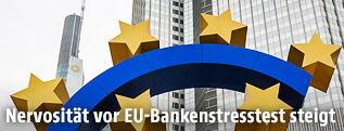 Eurozeichen vor dem EZB-Gebäude in Frankfurt
