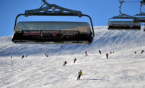 Skifahrer im Skigebiet Flachau