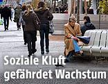 Passanten auf der Wiener Kärntner Straße