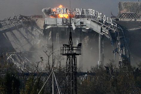 Flughafen von Donezk unter Beschuss