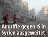 Zivilisten auf der Straße nach einem Angriff