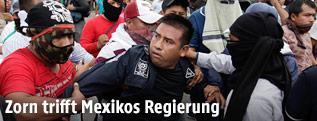 Ausschreitungen bei bei Demonstration in Mexiko