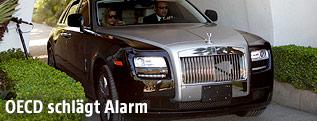 Rolls Royce in einer Einfahrt