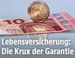 Zehn-Euro-Schein und Zwei-Euro-Münze