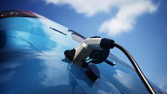 Die Gründe der Detonation des Benzins