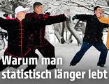 Menschen beim Tai Chi im Schnee