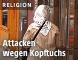 Muslimische Frau mit Kopftuch