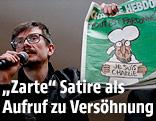 """Karikaturist Luz zeigt die neue Ausgabe des französischen Satiremagazins """"Charlie Hebdo"""""""