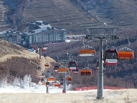 Sessellift im Skigebiet Chongli in China