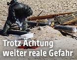 US-Soldat bereitet eine Giftgasrakete während des Irakkrieges vor