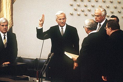 Richard von Weizsäcker bei der Vereidigung