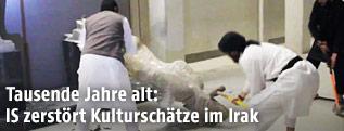 IS-Terroristen zerstören Museum