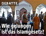 Menschen in einer Moschee