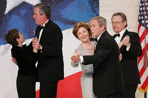 George W. Bush mit Frau Laura und Jeb Bush mit Frau Columba, Jänner 2005