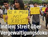 Inder demonstrieren nach einer Massenvergewaltigung