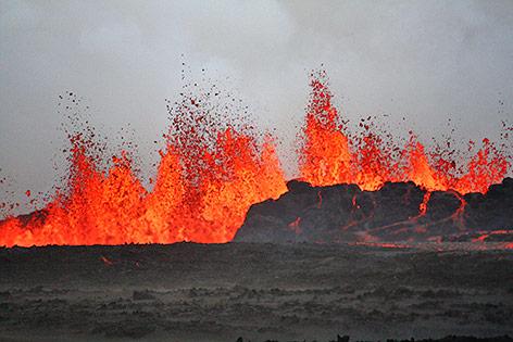 Isländischer Vulkan Bardarbunga spuckt Lava