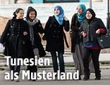 Studentinnen in Tunis