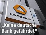 Schild mit dem Logo der Commerzbank