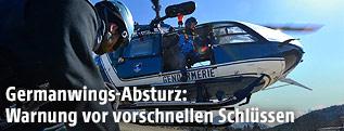 Polizei-Hubschrauber bei der Absturzstelle