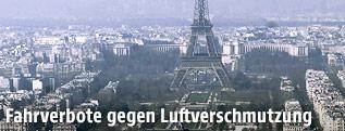 Eiffelturm im Smog
