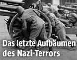 Soldaten der Waffen SS