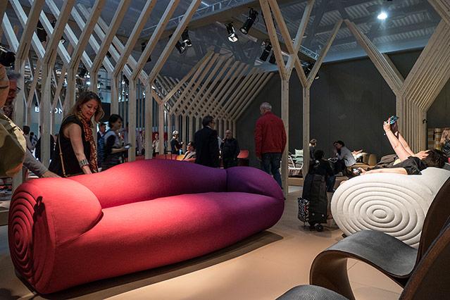 ein streifzug durch die ausstellung news. Black Bedroom Furniture Sets. Home Design Ideas