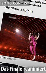 """Über das Publikum """"schwebende"""" Conchita Wurst"""
