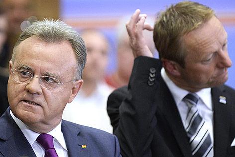 Die Spitzenkandidaten Johann Tschürtz (FPÖ) und LH Hans Niessl (SPÖ)