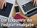Tablet, Handy, externe Festplatte und Notebook