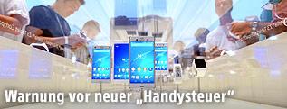 Ausgestellte Smartphones